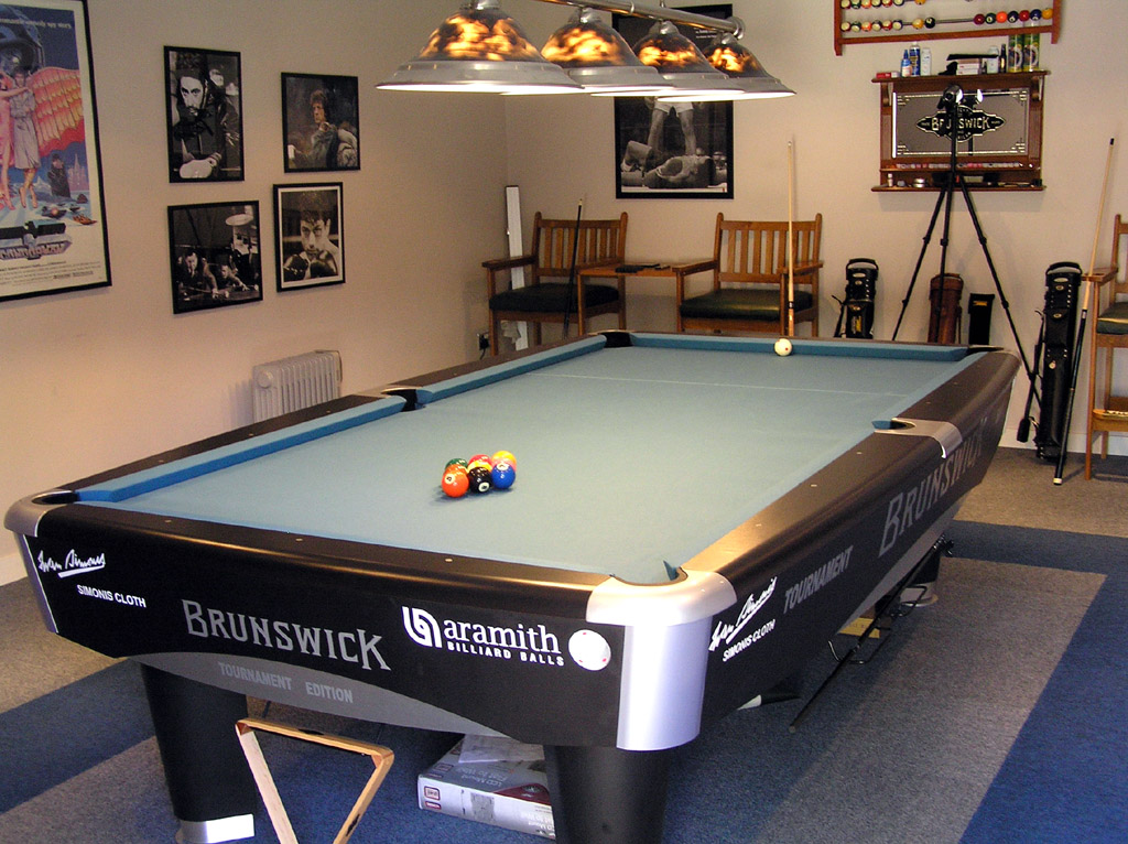 Z9 Billiard Cloth   Now At The Pro Shop With FREE POST TO EUROPE!